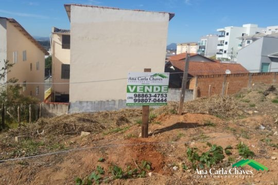 VENDE-SE TERRENO NO BAIRRO PÃO DE AÇÚCAR